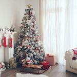 vardagsrum pyntat för julen